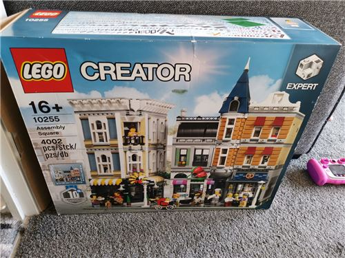 Assembly square 10255, Lego 10255, Mark, Creator, Wolverhampton