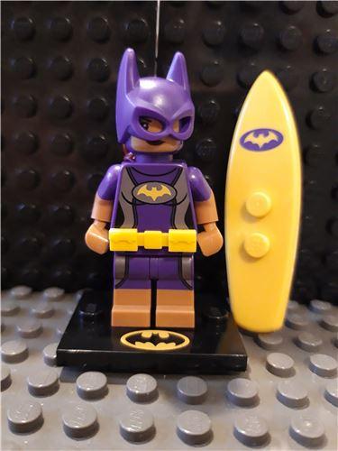 The Lego Batman Movie Series 2 Vacation Batgirl minifigure