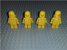 4x Lego Space Minifigures / Classic color yellow - Vintage Set Lego