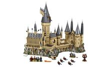 The Hogwarts Castle Lego 71043