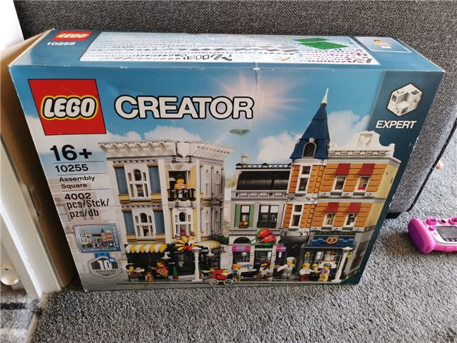 Assembly square 10255, Lego 10255, Mark, Creator, Wolverhampton, Image 3