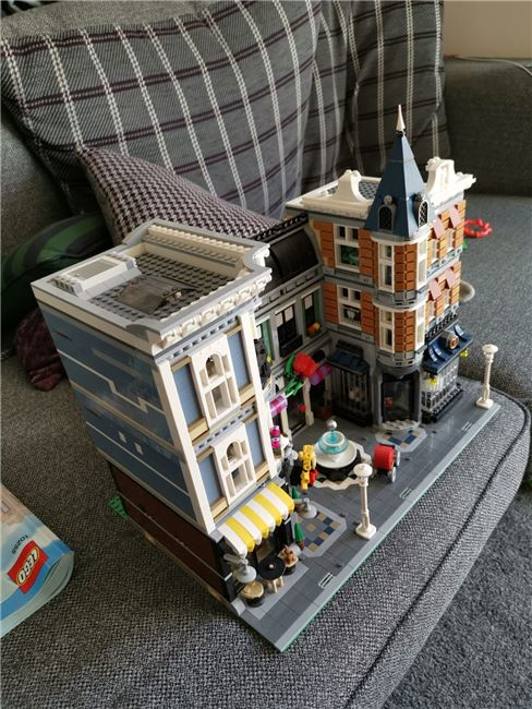 Assembly square 10255, Lego 10255, Mark, Creator, Wolverhampton, Image 6