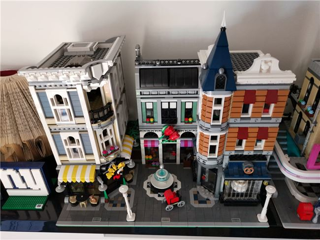 Assembly square 10255, Lego 10255, Mark, Creator, Wolverhampton, Image 9