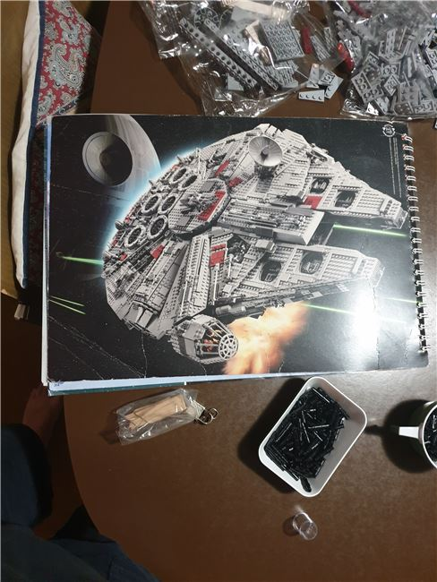 collector's ulimate millennium falcon, Lego 10179, Chris Papageorgiou, Star Wars, new erythrea