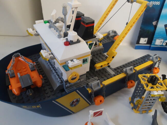 LEGO City Deep Sea Exploration Vessel (60095) 100% Complete retired, Lego 60095, NiksBriks, Town, Skipton, UK, Image 4